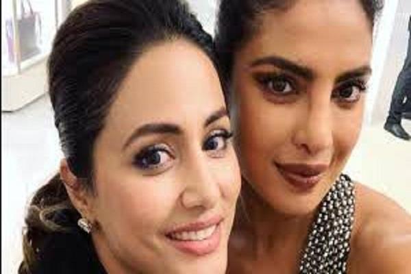 priyanka chopra introduced hina khan as a indian star