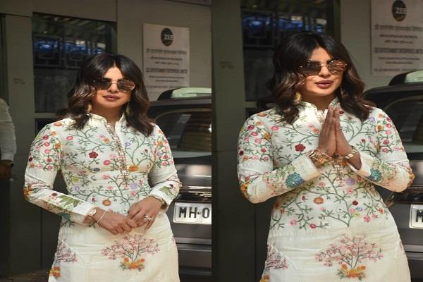 priyanka appeared promotion in an ethnic film will be released on october 11