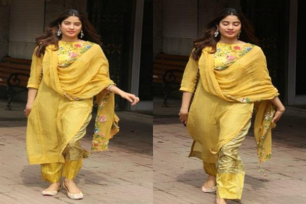 jahnavi kapoor spotted outside gym in traditional outfit