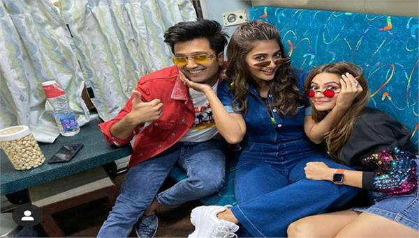 indian railways start new promotion on wheels scheme with housefull 4