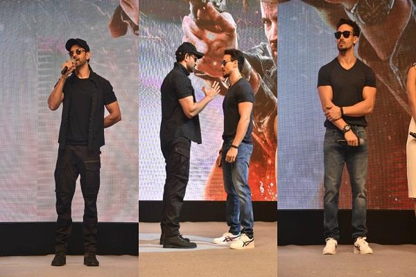 tiger and hrithik comes face to face in the success party see the reaction