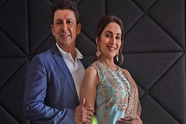 dr nene gave a special note to madhuri dixit on marriage anniversary