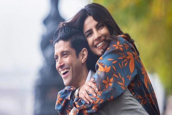 priyanka and farhan starrer  the sky is pink  became the first film to do this