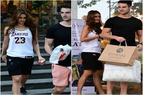 disha patani spotted with gym trainer looks cool in sporty look