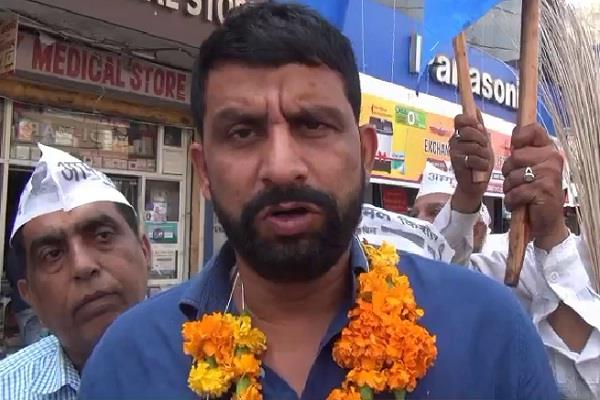statement on sonia gandhi naveen jaihind told shakuni to chief minister