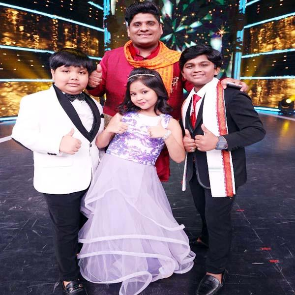 indian idol fame nitin s team wins super star singer title