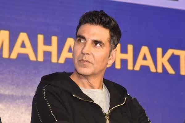 akshay kumar charge 100 crore for this movie