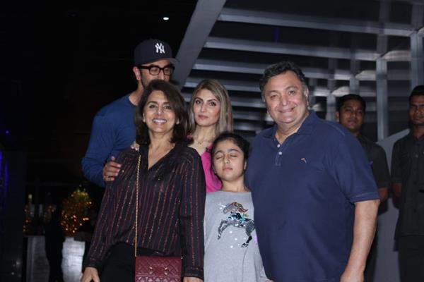 ranbir kapoor dinner date with family