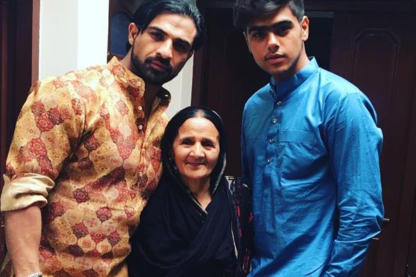 saath nibhana saathiya fame mohammad nazim mother passes away