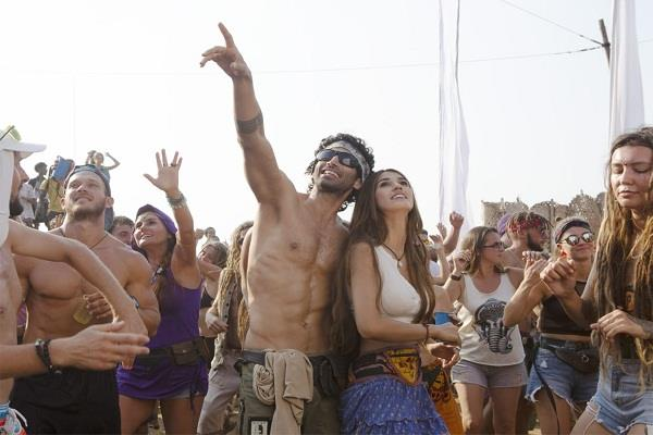 malang  makers share first look shirtless aditya dances with disha