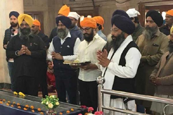 aamir khan seek blessing gurudwara bhatta sahib in punjab