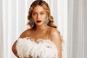 pop singer beyonce looks bold in her latest pictures