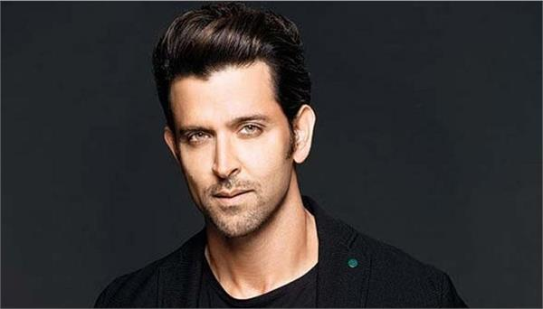 hrithik roshan vanity van wall filled with math equation