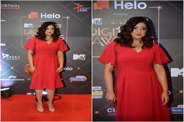 tanushree dutta appeared in an award show