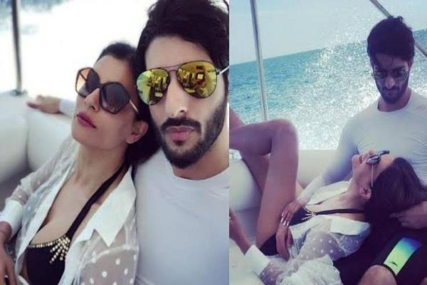 boyfriend rohman wrote love note on sushmita s 44th birthday