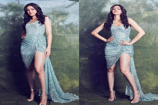 ananya shared photoshoot pictures on instagram in bodycon dress