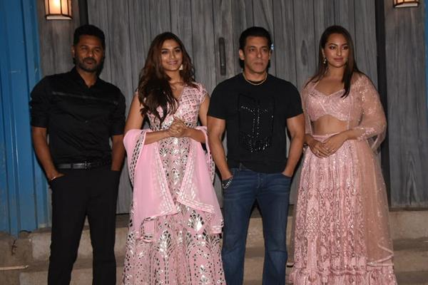 sonakshi sinha sai manjrekar and dabangg 3 cast at bigg boss 13 set