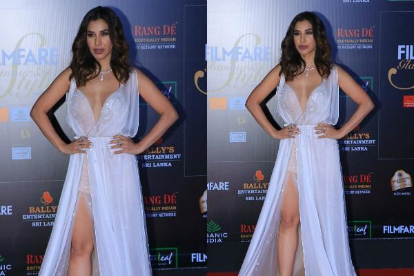 sophie choudry stylish appearance at awards night