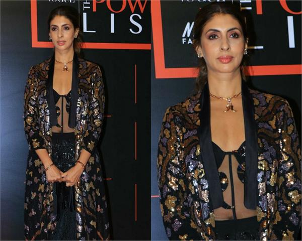 amitabh bachchan daughter shweta looks stunning in latest pictures