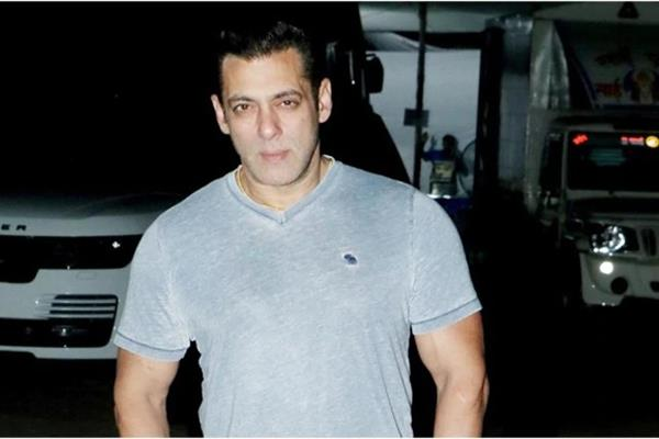 ghaziabad teen send mail about bomb at salman khan house