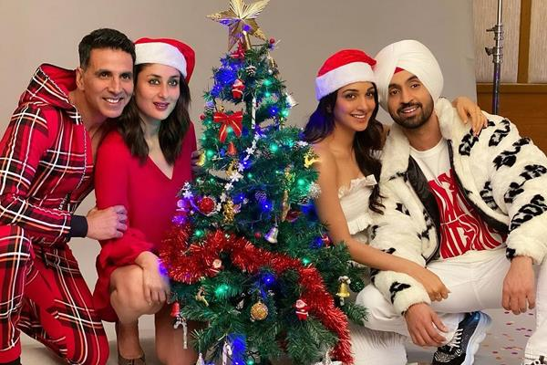 kareena akshay kumar diljit kiara advani christmas party pictures