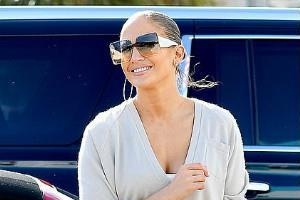 jennifer lopez spotted outside the gym with alex rodriguez