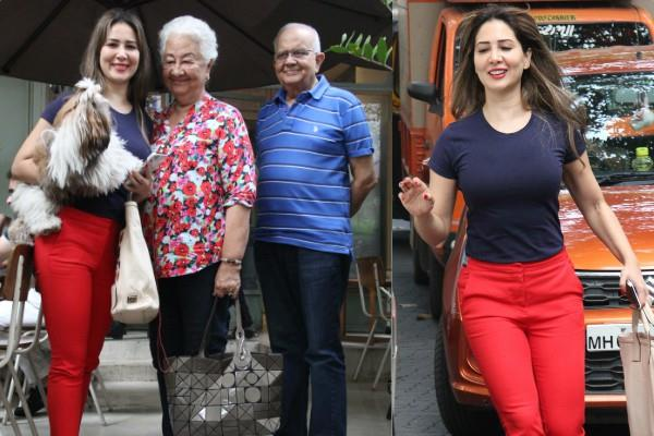 kim sharma spotted at restaurant with parents