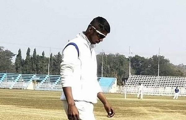west bengal young cricketer suffered heart attack died in the field