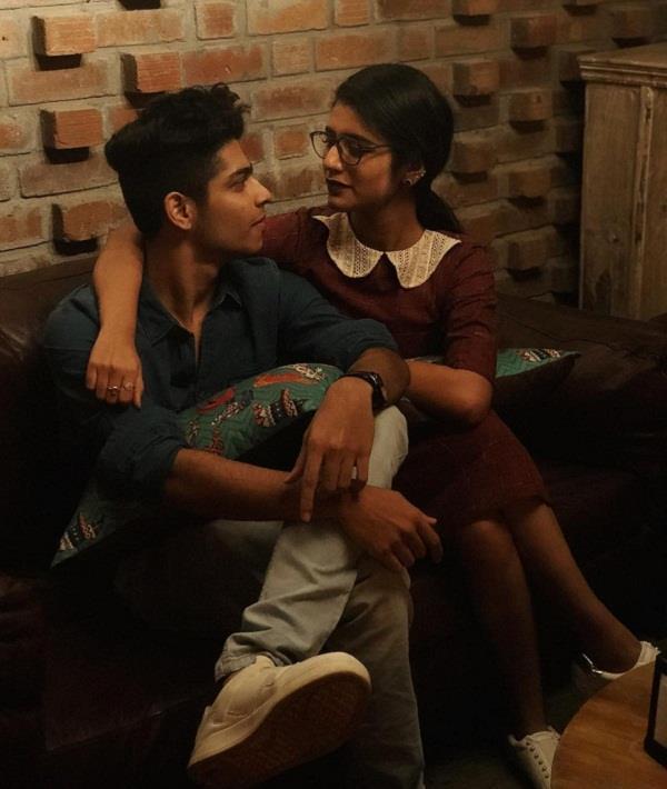 प्रिया प्रकाश ने को-स्टार संग शेयर की रोमांटिक तस्वीर, गुम हुए एक-दूसरे के प्यार में