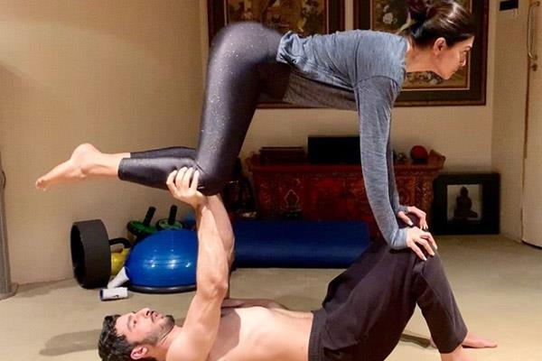 sushmita share workout picture with rohman