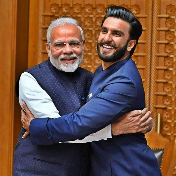 ranveer singh share picture with pm modi