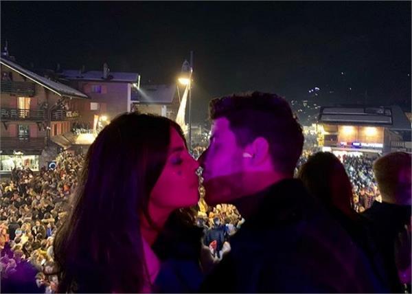 priyanka chopra and nick jonas new year s celebrations videos