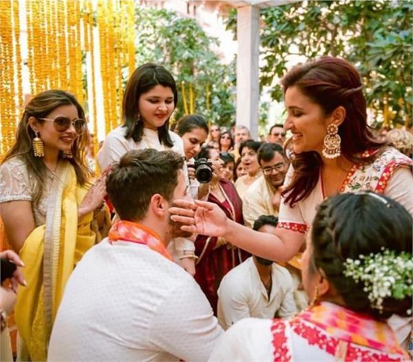 parineeti chopra shares unseen photos of priyanka nick wedding