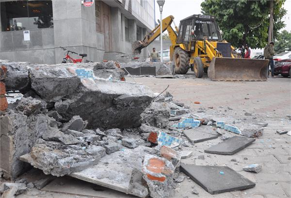 hsvp demolished illegal occupation outside high 5 mall