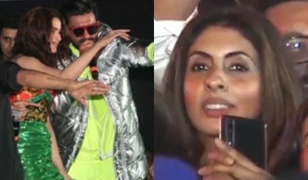 shweta bachchan seen in ranveer alia live performance