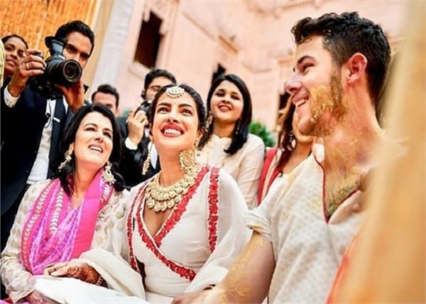 priyanka chopra and nick jonas unseen haldi pictures are stunning