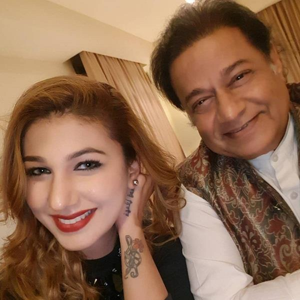 jassline mathar shares photo with anup jalota