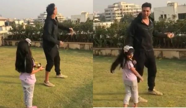 akshay kumar share video with daughter nitara