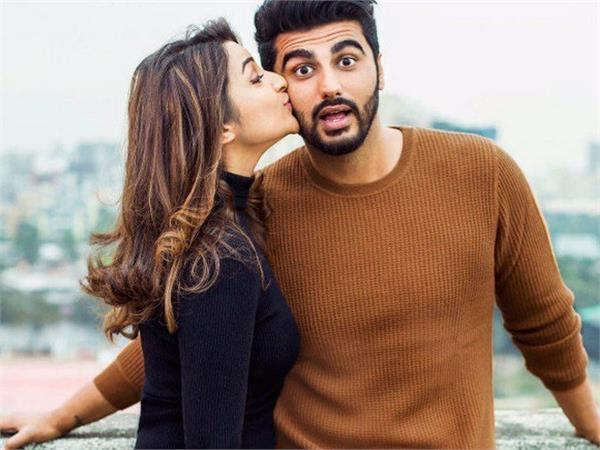 makers of sandeep aur pinky faraar considering different release date