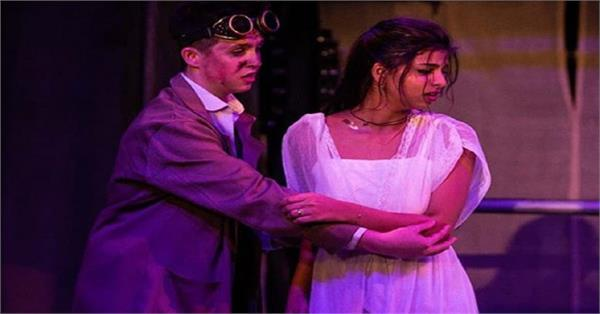 suhana khan college play pictures