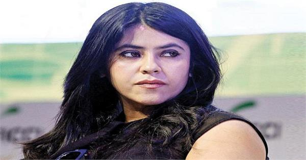 ekta kapoor share 7 year difficult of become mother
