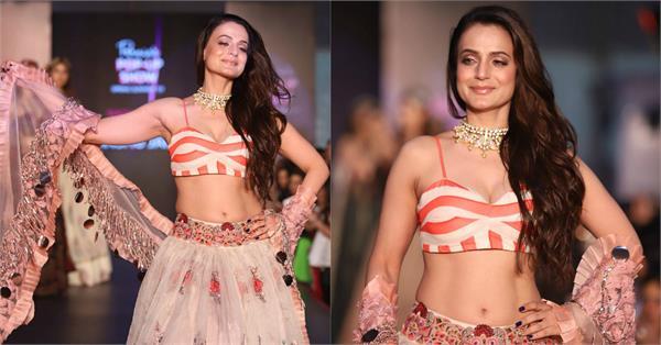 ameesha patel at pernia pop up show