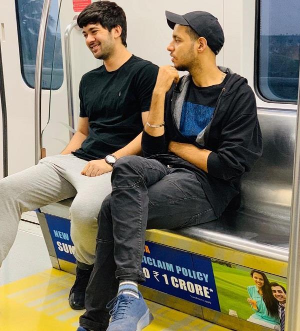 karan deol taking metro everyday to reach on his set