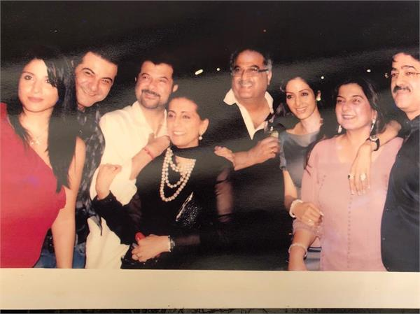 sanjay kapoor share picture with sridevi