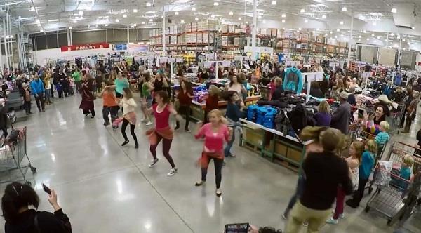 flash mob in california store on london thumakda song video viral