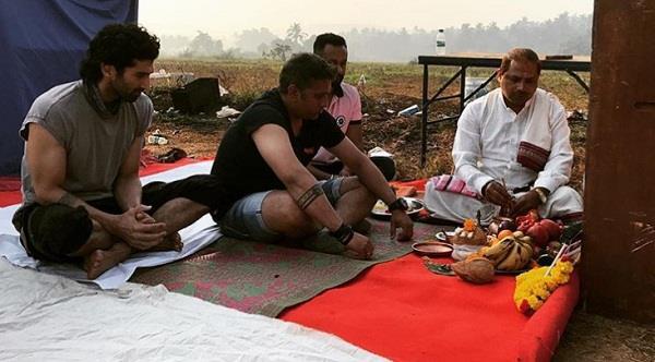 aditya roy kapur begins work on malang