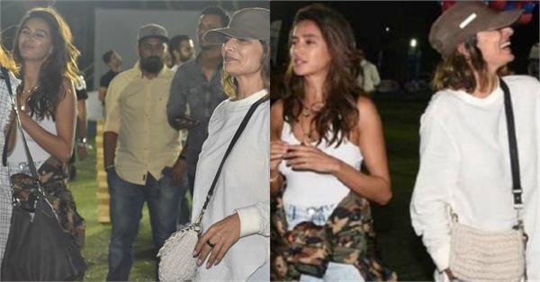 shibani snapped with farhan ex wife adhuna bhabani