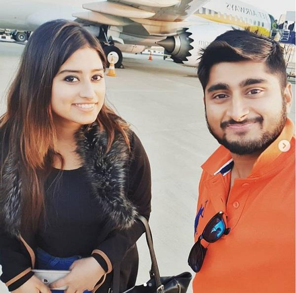 deepak thakur and somi khan unfollowed each other on insta