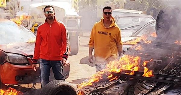 akshay plays with fire again khatron ke khiladi