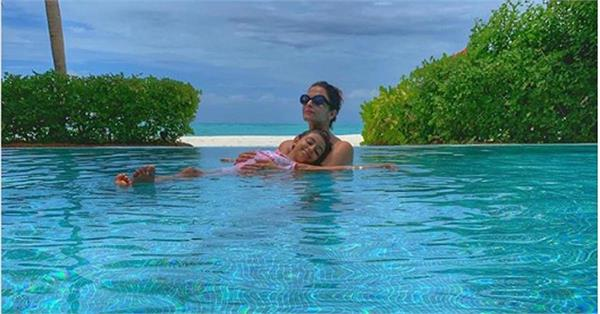 aishwarya rai bachchan aaradhya are chilling in a pool